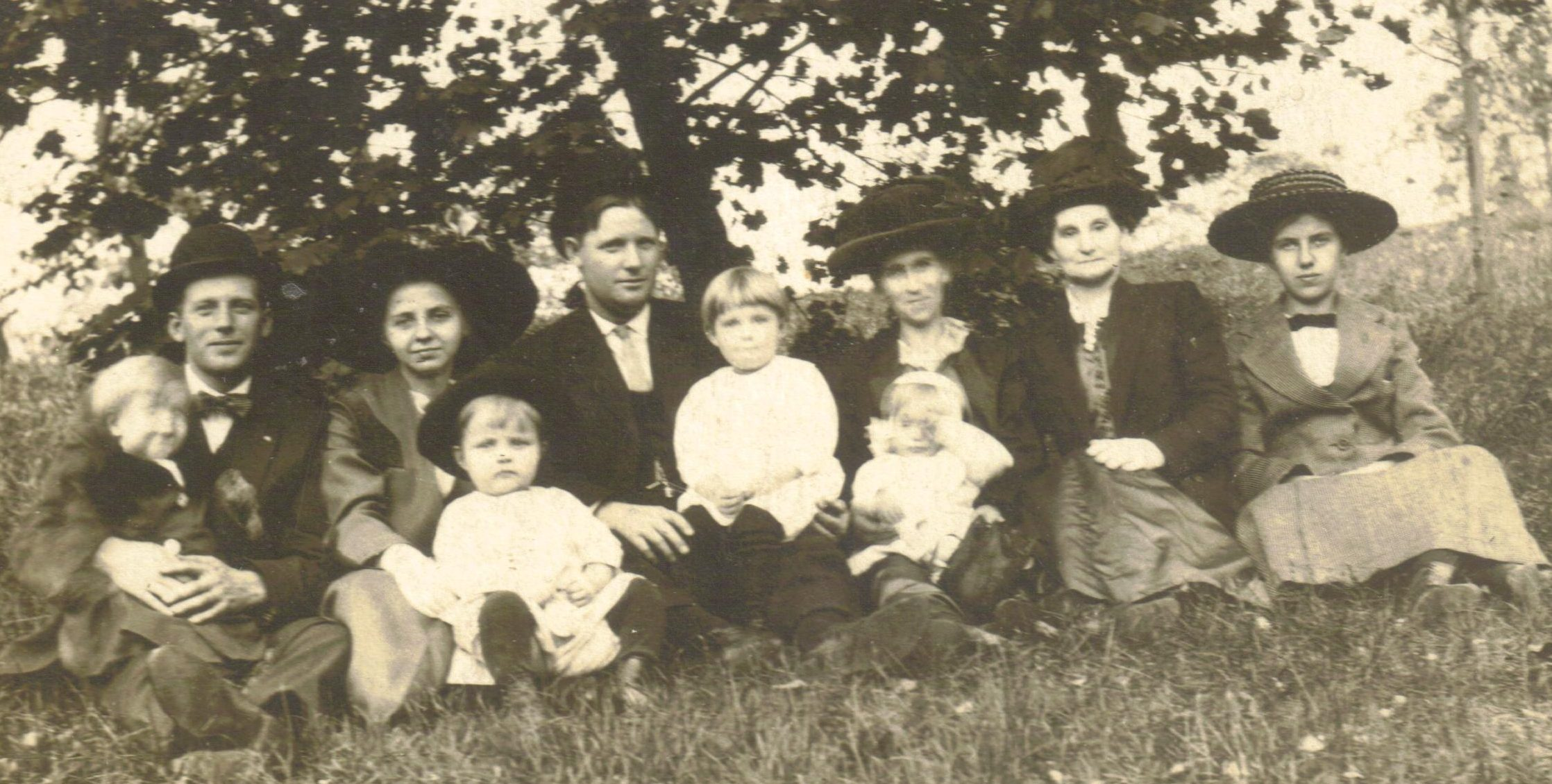 Archie, Ada, and sons